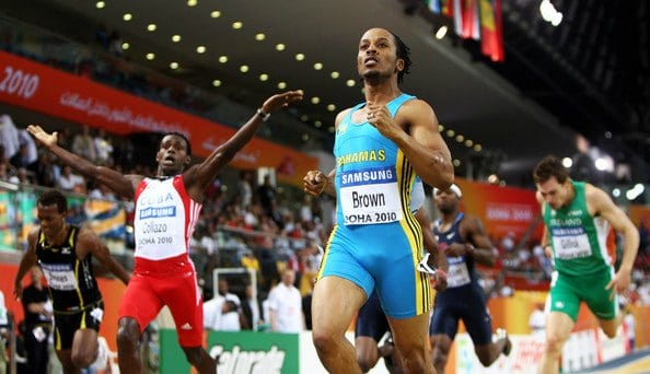 Chris Brown gives a clinic on how to race and win an indoor 400 meters