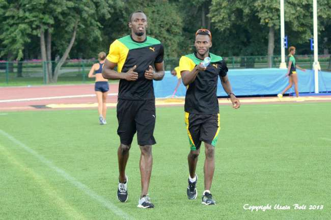 Usain Bolt warm up